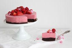 Raspberry Mousse Cake with Flourless Chocolate Bottom #recipe (Gluten-Free)