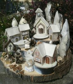 Villaggio in feltro e legno - di Luisa Valent