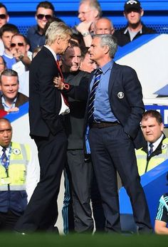 Wenger and Mourinho scrapping - Chelsea Arsenal Game 5 October 2014.