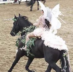 Share This : Friesian horses in fantasy costumes Horse Halloween Ideas, Horse Halloween Costumes, Halloween 2018, Horse Fancy Dress, Medieval Horse, Unicorn Horse, Unicorn Costume, Friesian Horse, All The Pretty Horses