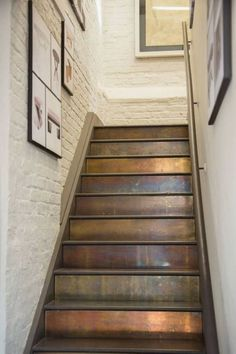 New Staircase Design Ideas - Eingang Wood Stair Treads, Stair Walls, Wood Stairs, House Stairs, Basement Stairs, Basement Ideas, Rustic Stairs, Basement Remodeling, Interior Staircase