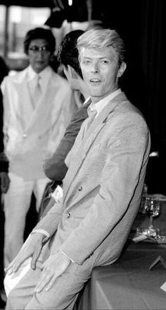 David Bowie, with Oshima, Cannes, 1983 B&W Nagisa Oshima, David Best, David Bowie Fashion, David Bowie Pictures, Bowie Starman, The Thin White Duke, Soundtrack To My Life, Ziggy Stardust, Modern Love