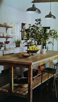 New kitchen farmhouse table farm house 46 ideas Kitchen Island Bench, Farmhouse Kitchen Island, Farmhouse Table, Kitchen Islands, Island Bar, Kitchen Island Looks Like Table, Unfitted Kitchen, Farmhouse Kitchens, Big Island