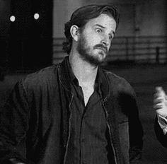This is seriously my favorite gif of Richard. He looks so entranced and then just shyly waves.