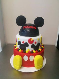 Mickey Mouse cake for a kid's birthday