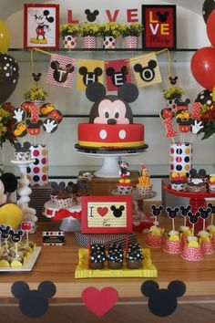 Mickey Minnie Mouse, Mickey Mouse Table, Festa Mickey Baby, Fiesta Mickey Mouse, Mickey Mouse Decorations, Mickey Mouse Clubhouse Birthday, Mickey Mouse Parties, Mickey Party, Mickey Mouse Birthday