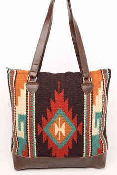 Boho tribal blanket bag from La Sirena Boutique #trendy #boho #bohoglam #blanket #bag #aztec #tribal #perfectgift