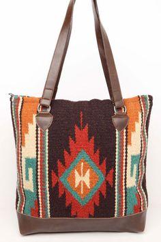 Boho tribal blanket bag from La Sirena Boutique #trendy #boho #bohoglam #blanket #bag #aztec #tribal #perfectgift
