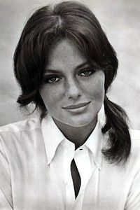 une actrice の jacqueline bisset (b. Hollywood Celebrities, Hollywood Actresses, Actors & Actresses, Beautiful Celebrities, Beautiful Actresses, Beautiful Women, Ann Margret, Natalie Wood, Barefaced Beauty