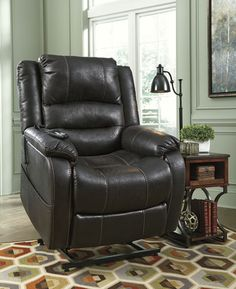 Yandel multi-positional reclining and lift chair by Signature Designs from Ashley Furniture.