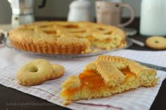 Per la #ricettadelgiorno ho pensato a una ricetta genuina CROSTATA CLASSICA DELLA NONNA ALL'ALBICOCCA  http://blog.giallozafferano.it/statusmamma/crostata-classica-della-nonna-allalbicocca/