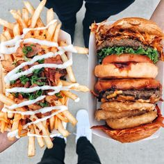 Pinterest | cosmicislander ✧ Full Course Meal, Kfc, Cheesesteak, Eat Your Heart Out, Savory Snacks, Foods To Avoid, Junk Food, Food Photo, Salmon Burgers