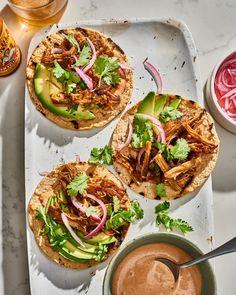 enoki mushroom carnitas tacos on a plattter Sweet Potato Hummus, Carnitas Tacos, Vegan Mayonnaise, Stuffed Mushrooms, Stuffed Peppers, Meal Planning, Vegan Recipes, Cooking, Veggie Dinner