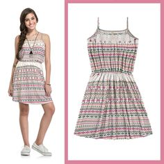 vestido étnico com cor de rosa