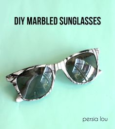 Want to upcycle that pair of glasses you have? Find out how with this marbled sunglasses tutorial! via @vanessabrady