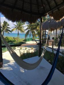flirting games at the beach hotel san diego bay