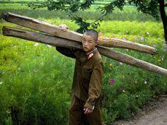 También es ilegal para tomar imágenes de los militares de Corea del Norte.