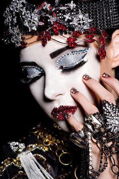 Lan Nguyen, Beauty Makeup, Eye Makeup, Full Makeup, Fairy Makeup, Makeup Style, Glam Makeup, Elisabeth I, Festival Make Up