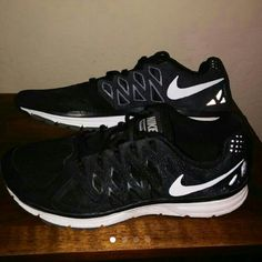 Men's Nike vomero 9 Like new wore only 2-3times Nike Shoes Athletic Shoes