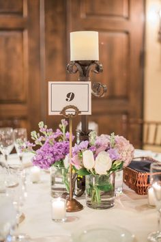 Sassi Standard - white & black table number with gold stanchions