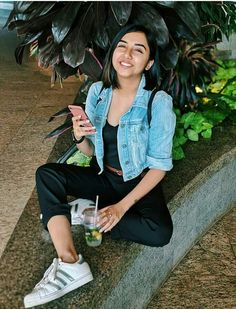 # follow me Ruby yadav Casual College Outfits, Cute Preppy Outfits, Everyday Outfits, Chic Outfits, Girl Outfits, Fashion Outfits, Girl Photography Poses, Street Photography, Lengha Blouse Designs