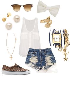 this is literally the perfect outfit for me. Cheetah,high wasted shorts, ray bans, sheer shirt.PERFECT.