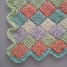 Una mantita para el bebé que lleva mi ahijada Irene.         El borde a punto cangrejo y cada lado de un color                     Y si te a... Crochet Projects, Sewing Projects, Projects To Try, Tunisian Crochet, Chrochet, Crochet Baby, Knit Crochet, Crochet Patterns, Blanket