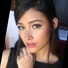 Liza Soberano - Deep peachy cheeks and medium pink lips