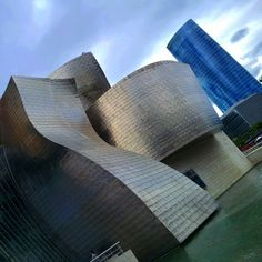 Guggenheim museum (Bilbao, Spain). By Azhar Media, audiovisual production company (Seville, Andalusian, Spain)