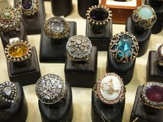 Beautiful stones, rings and jewelry in Turkey. Magnificant in all their glory. Turkish Jewelry, Indian Jewelry, Unique Jewelry, Real Costumes, Bridal Jewelry, Class Ring, Watches For Men, Fashion Jewelry, Take That