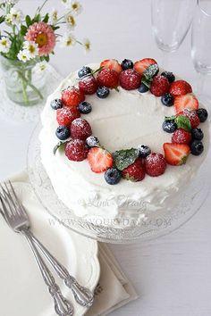 21st Birthday, Birthday Cake, Summer Berries, Sponge Cake, Blueberry, Cake Decorating, Easy Diy, Cherry, Baking Ideas