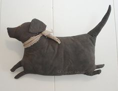 Items similar to Fat Lab, A Primitive Folk Art Dog Pattern from Raven's Haven on Etsy Primitive Folk Art, Primitive Crafts, Primitive Snowmen, Primitive Christmas, Country Christmas, Christmas Christmas, Primitive Patterns, Sewing Toys, Sewing Crafts