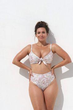 EMELIE BIKINI TOP - JINDABYNE - Marvell Lane Plunge Bikini, High Waisted Briefs, Gold Accessories, High Cut, Bra Sizes, Bikini Tops, Bikinis, Swimwear, The Incredibles