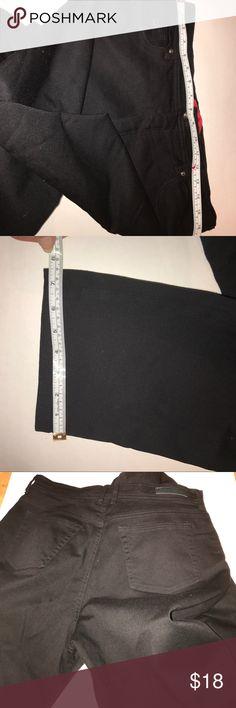 "Black jeans Dress 'em up, dress 'em down - black jeans are amazingly versatile! Waist and ankle measurements are in the pics. Inseam is 31"". Excellent condition. Gloria Vanderbilt Jeans Straight Leg"