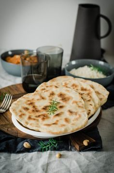 Indian Vegetarian Recipes 238198267778717745 - Cheese naan maison pain indien au fromage Source by tangerinezest Indian Food Recipes, Vegetarian Recipes, Ethnic Recipes, Cheese Recipes, Salad Recipes, Baguette, Coco, Love Food, Tapas