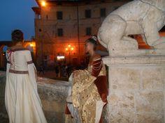 Con la Festa della Contea, torna il medioevo  nel borgo di #Pitigliano #maremma #toscana