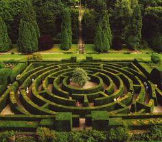 Modern maze....