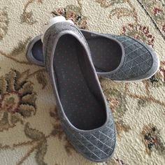 Skechers Flex Memory Foam 9.5 M grey. Used a few times. Skechers Shoes Sneakers