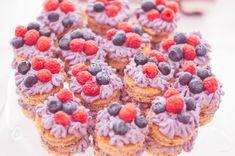 čučoriedkové minitortičky Raspberry, Cheesecake, Fruit, Desserts, Food, Tailgate Desserts, Deserts, Cheesecakes, Essen