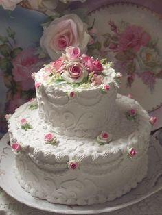(W2TXO) SHABBY COTTAGE ROSE DECORATED FAKE CAKE CHARMING!!