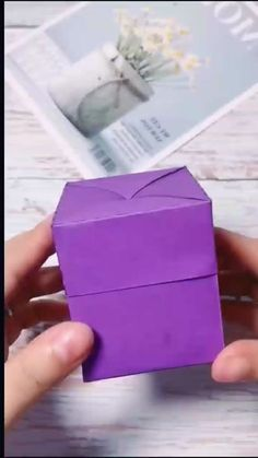 Cool Paper Crafts, Paper Crafts Origami, Origami Box, Cute Crafts, Diy Paper, Diy Gift Box, Diy Gifts, Craft Activities For Kids, Craft Ideas