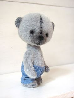 A little vintage bear. so cute!