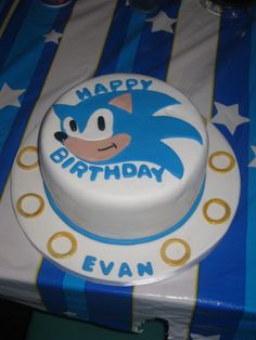 Sonic Cake! Perfect for my best friend, Justin! (: