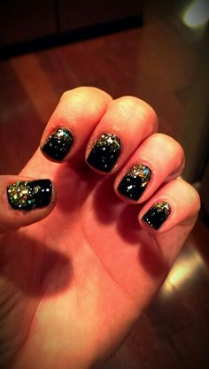 New Years Nails black & glitter
