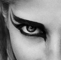 Valkyrie eye make up idea