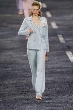 229 photos of Chanel at Paris Fashion Week Fall 2004.