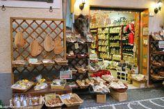 An Umbrian shop in Passignano Sul Trasimeno
