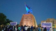 #Se viste de azul el Monumento a Fundadores - El Mañana de Nuevo Laredo: El Mañana de Nuevo Laredo Se viste de azul el Monumento a…