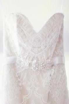 lace wedding gown detail, photo by Simply Bloom http://ruffledblog.com/romantic-alabama-wedding #laceweddingdress #weddingdress