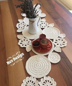 Study In Circles Crochet Motif Table Runner Pattern Crochet Mandala, Crochet Motif, Irish Crochet, Crochet Designs, Crochet Doilies, Free Crochet, Crochet Placemats, Crochet Table Runner, Table Runner Pattern